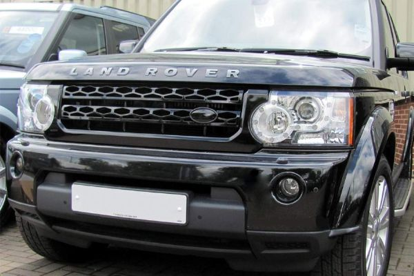 Discovery 4 Original Style Front Grille - Gloss Black